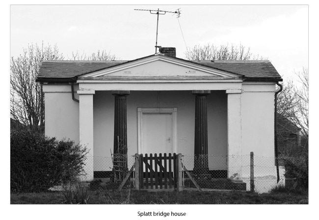 Splatt bridge house